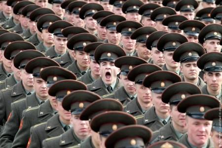 Служба в армии станет альтернативной