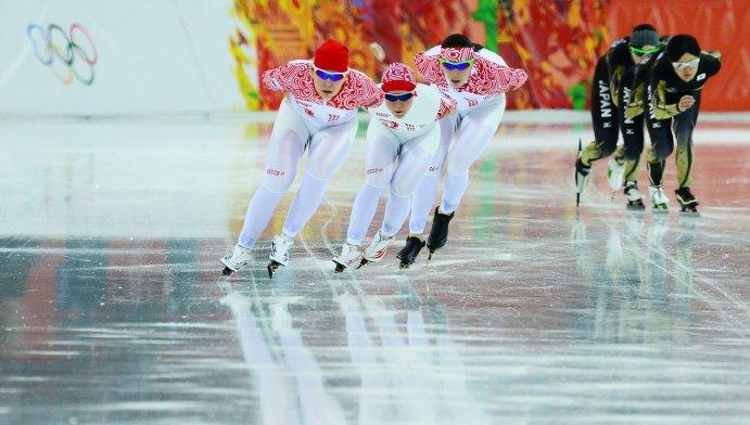 В командной гонке российские конькобежки завоевали бронзу
