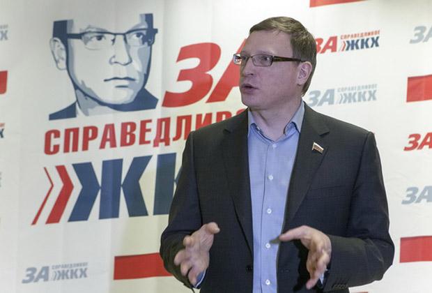 «Частый клиент негативной хроники»: омскому губернатору предрекают скорую отставку