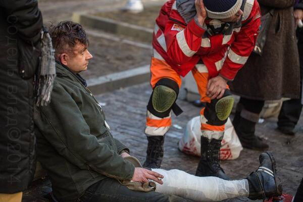 Музыканту группы «Вопли Видоплясова» сломали ногу во время беспорядков в Киеве