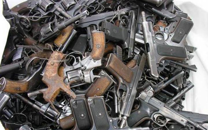 В Подмосковье у старика нашли 16 пистолетов