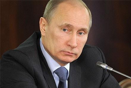 Путин обвинил экстремистов в происходящем на Украине