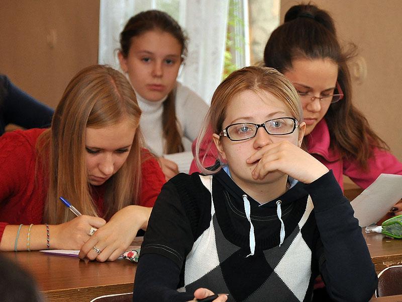 «Учителя не знают, как компьютер включить»: эксперты оценили шансы введения дистанта в школах