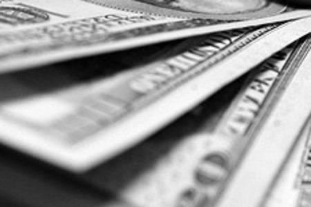 Стоимость доллара снова превысила 35 рублей