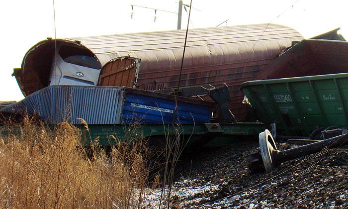 В Челябинской области с рельсов сошли 30 вагонов с углем