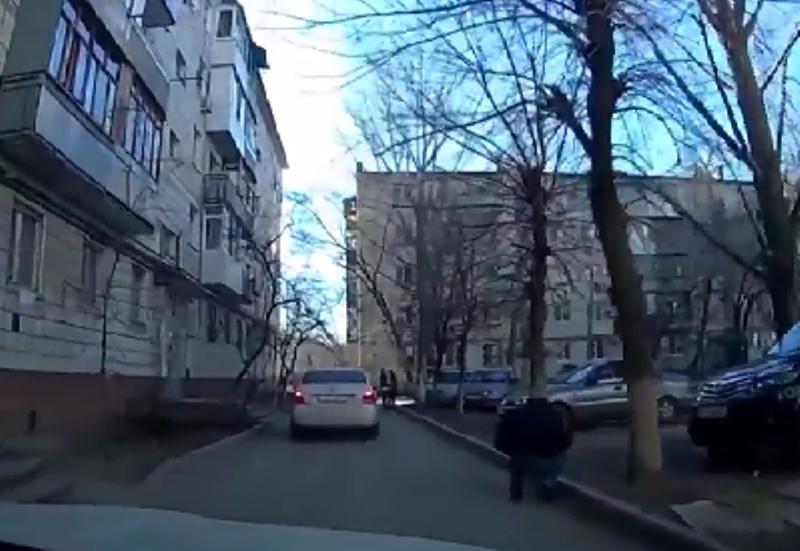 Волгоградец выложил в интернет видео ДТП с высокопоставленным полицейским
