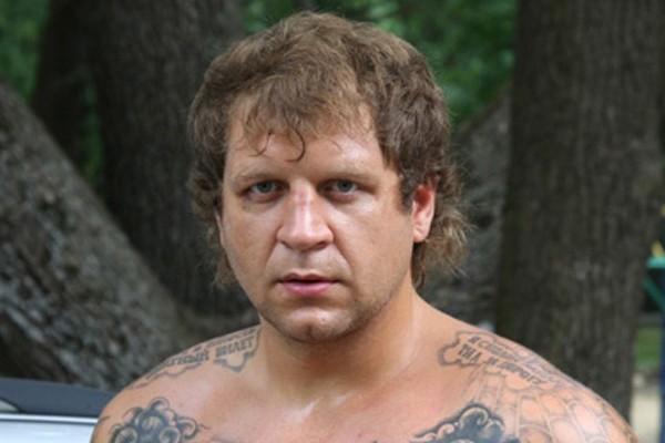 Александр Емельяненко изнасиловал девушку? Врачи подтвердили факт насилия.