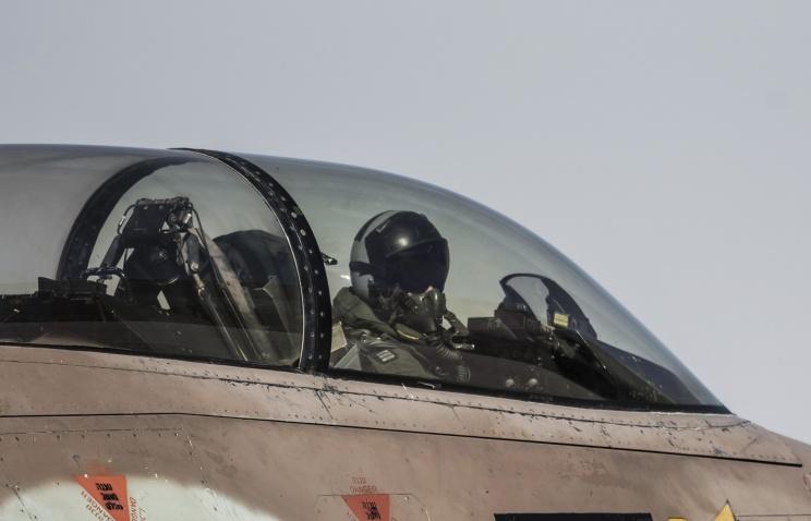 Израильская авиация нанесла удар по сирийским военным объектам