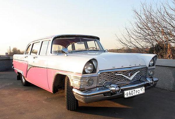 Три раритетных авто из автопарка Януковича принадлежали ранее киностудии им. Довженко