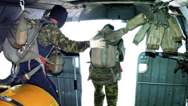 Российские десантники высадились в Арктике
