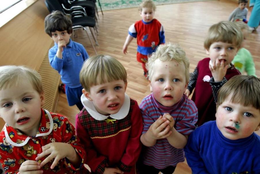 40 тысяч человек лишились родительских прав в 2013 году