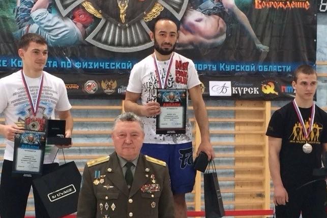 Россиянин Амиров победил в международном турнире по ММА