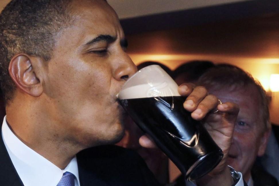 Барак Обама отправит два ящика пива Стивену Харперу