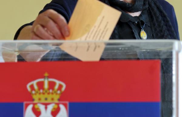 В Сербии на парламентских выборах победила правящая партия