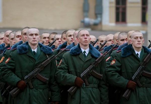 В России признаны воинские звания и дипломы военнослужащих Украины