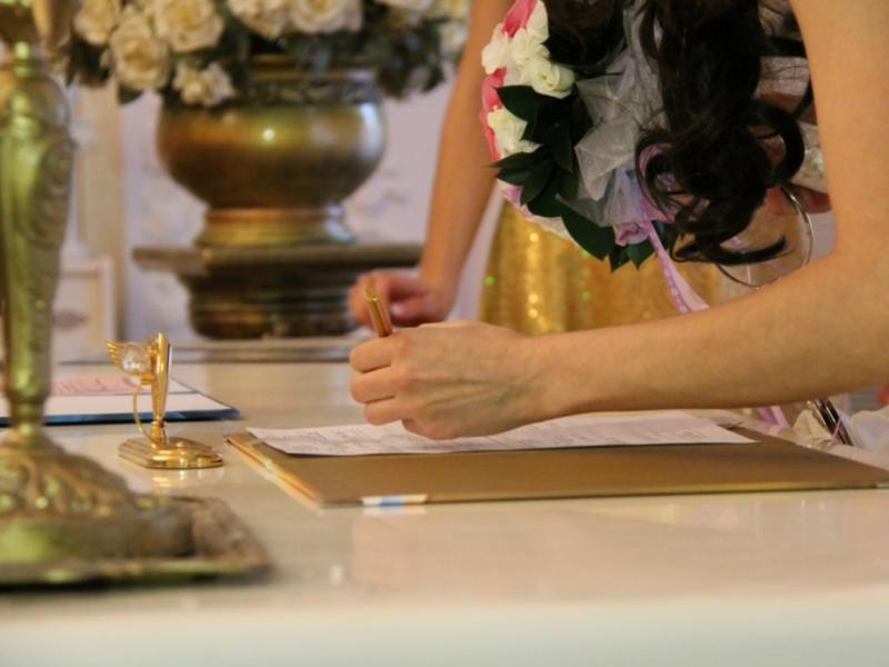В Приангарье выберут лучшего ведущего свадебной церемонии