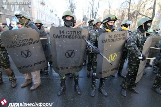 Военные учения украинской армии пройдут возле...коттеджа премьера Яценюка