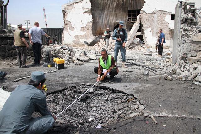Смертник устроил взрыв в Афганистане: 15 человек погибли
