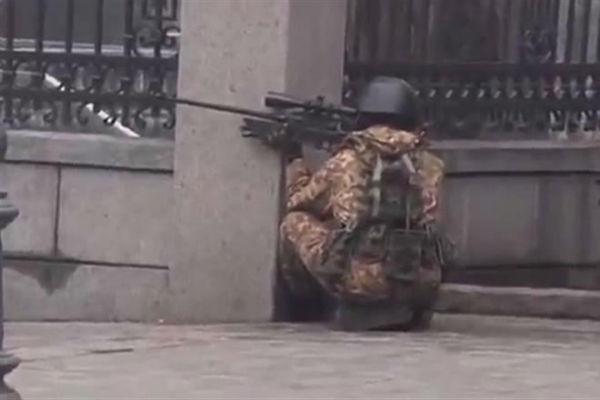 Стало известно, кто расстреливал людей в центре Киева