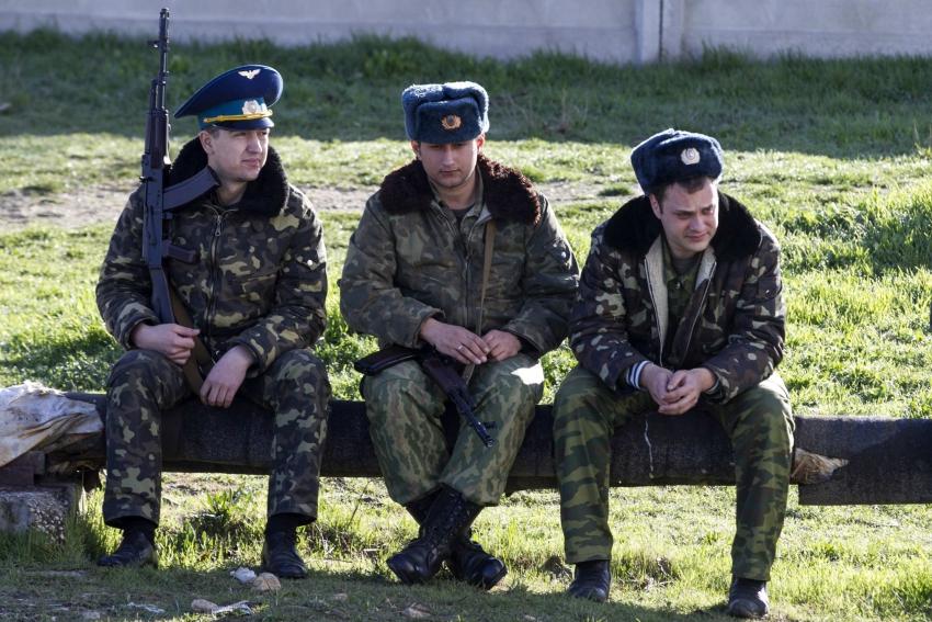 Из Крыма будут выведены 8 тысяч военных с семьями