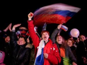 Народ наконец  добился своей мечты - они вернулись домой, в Россию.