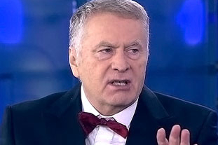 В Госдуму, как на праздник: Жириновский взял моду носить бабочку