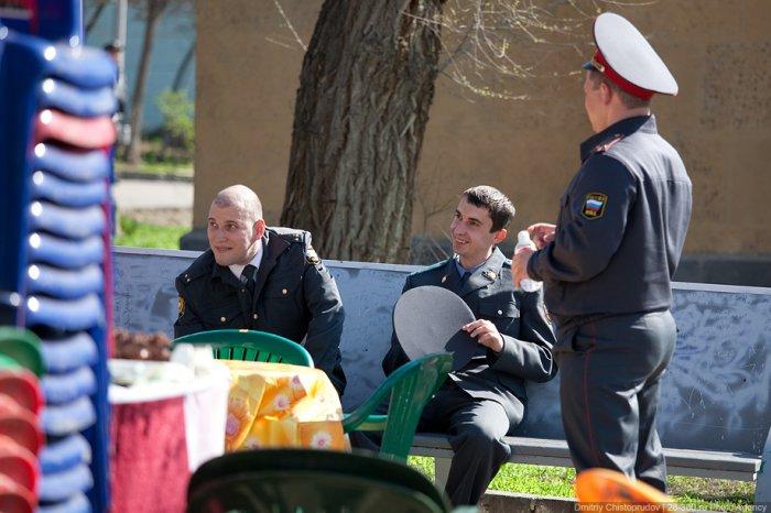 Сотрудникам силовых ведомств запретили выезжать за границу