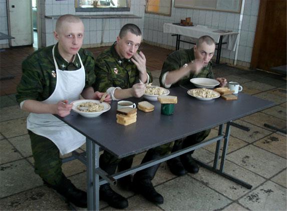Украинская армия комплектуется «с миру по нитке», хотя ей перечислено $20 млн.