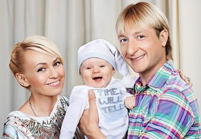 Сын Плющенко стал звездой интернета