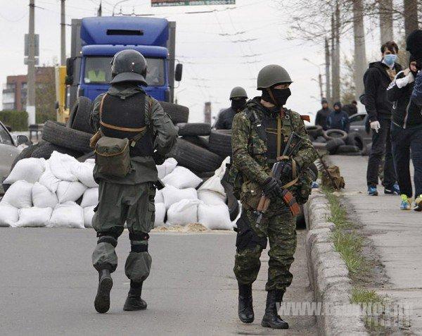 Львовский Майдан требует введения в стране военного положения