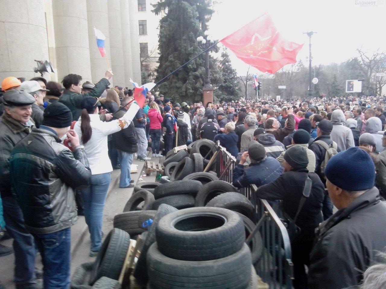 В Харькове начались массовые драки