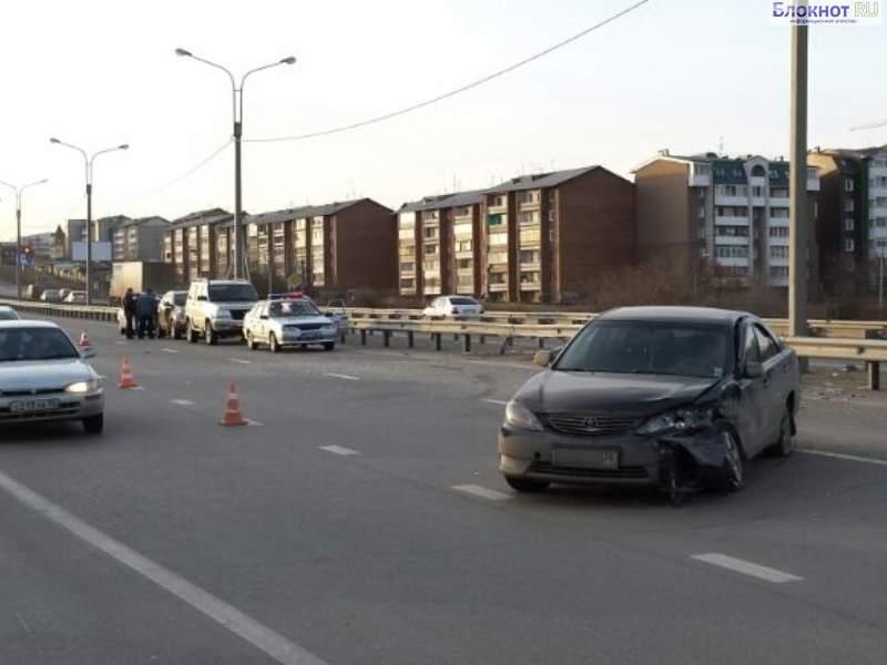 В Ленинском районе Иркутска столкнулись четыре машины