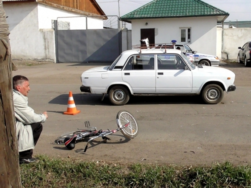 Двое школьников-велосипедистов пострадали в ДТП в Иркутской области