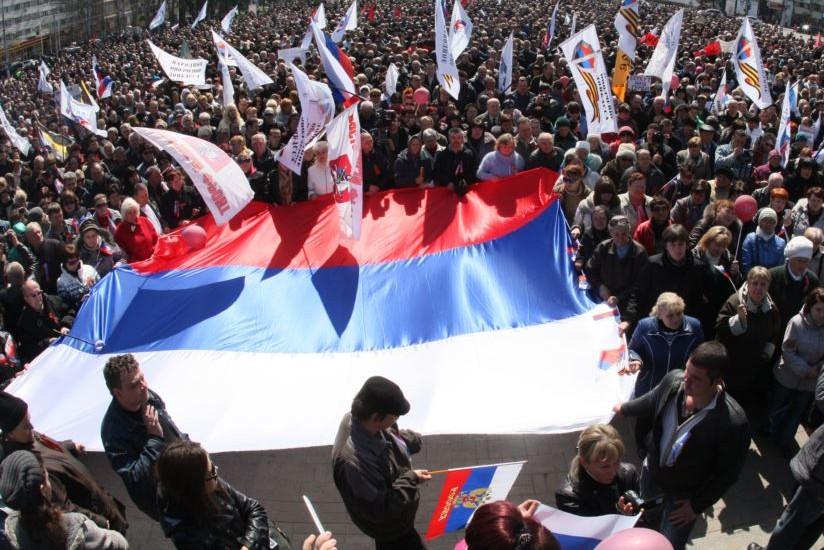 Донецкие депутаты требуют прекратить силовые операции и вывести войска