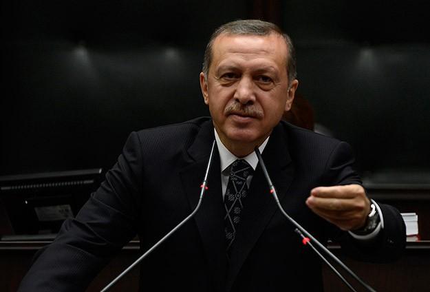 Премьер-министр Турции судится со своей страной