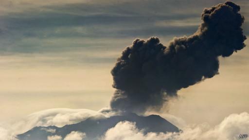 В Перу из-за извержения вулкана эвакуируют местных жителей, лам и альпака