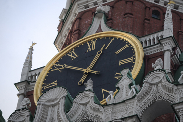 Кремль одобрил возврат к зимнему времени