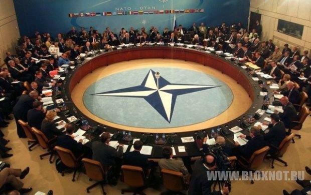 Обама и Меркель призвали РФ отвести войска от Украины