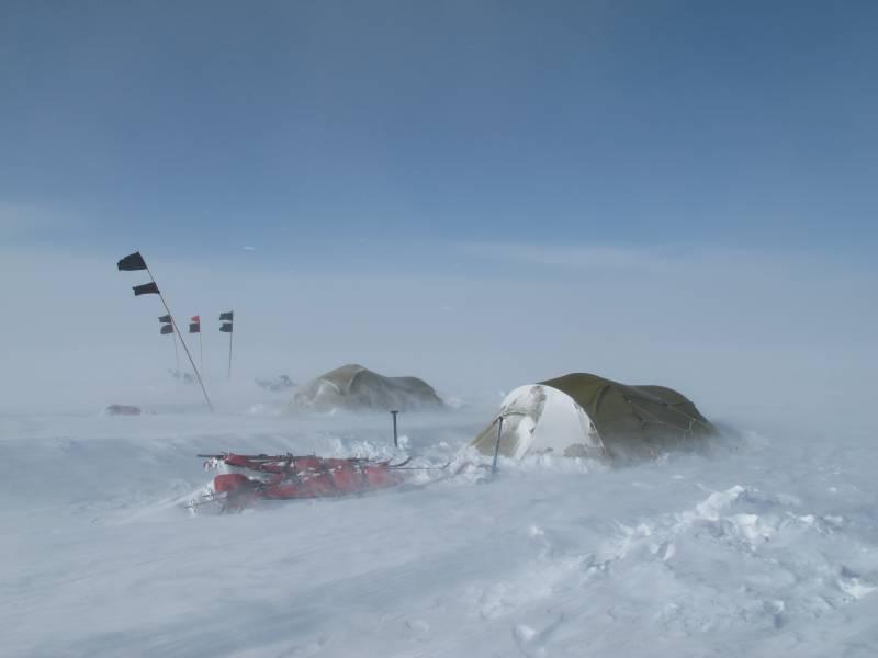 Павел Астахов и подростки попали в бурю на Северном полюсе