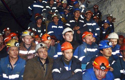 7 тысяч шахтеров вышли на митинг в Краснодоне