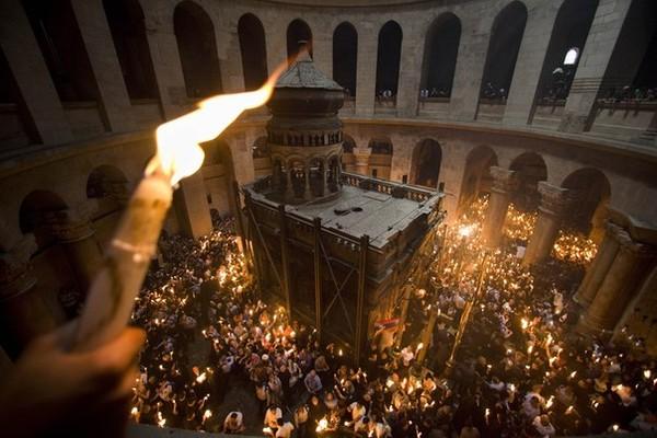 В Иерусалиме состоялось схождение Благодатного огня