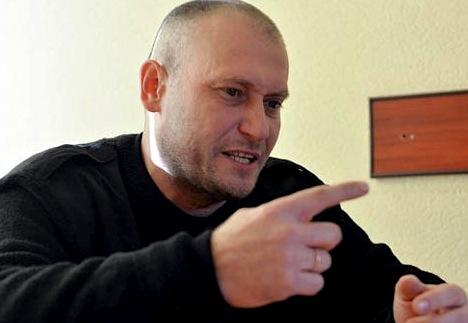 Ярош призвал Турчинова вооружить украинцев, чтобы воевать с русскими