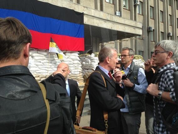 Помогите освободить заложников в Славянске. США и Германия обратились с такой просьбой к Москве