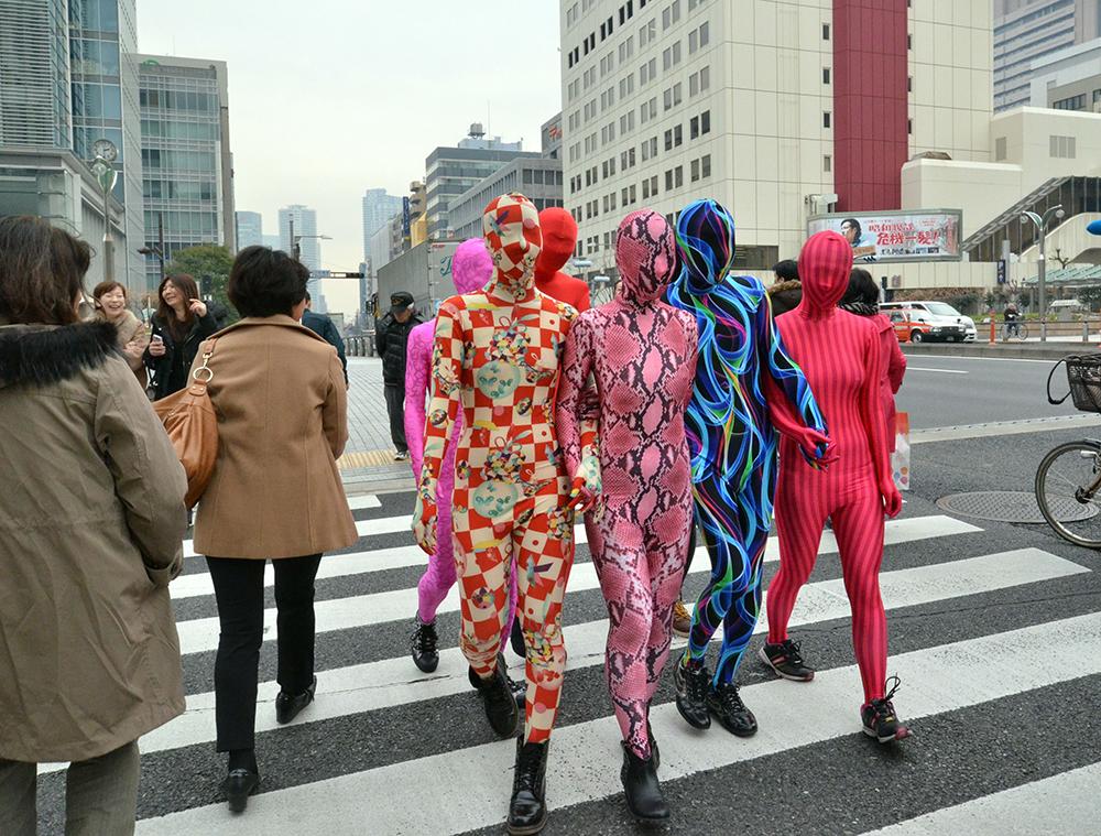 Люди - зентай захватывают Японию