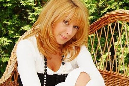 Певица Алена Апина работает учителем музыки в школе