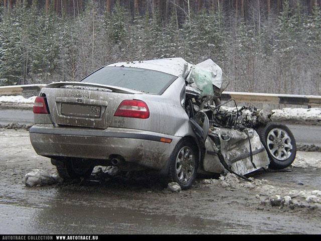 Водитель из-за сердечного приступа протаранил 7 машин