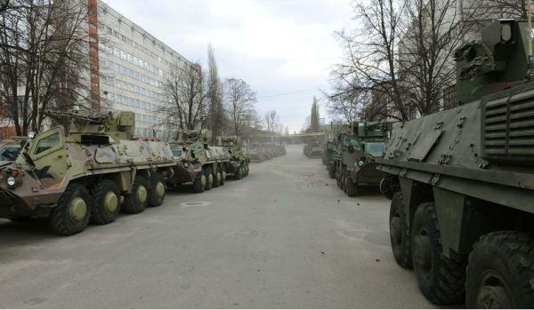 Военное положение не нужно – министр обороны Украины