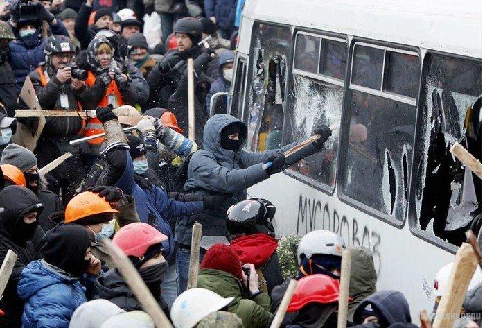 Количество жертв в ходе массовых протестов на Украине растет