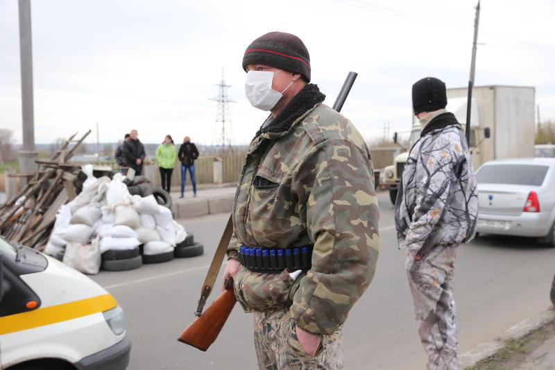 Военных заблокировали в краматорском аэропорту