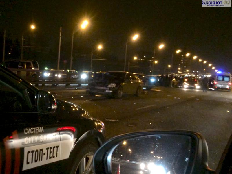 В Москве на Ленинградском шоссе произошло крупное ДТП (ФОТО)